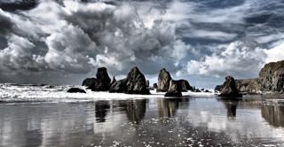 Oregon Islands/Dramatic Setting